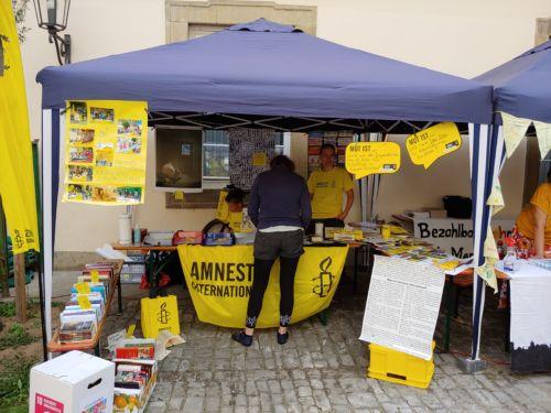 Informationsstand von Amnesty International Schwäbisch Hall - Crailsheim bei der Fairen Meile 2021